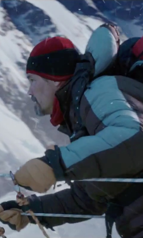 Josh Brolin with DaKine Daytona Snow Gloves in Everest