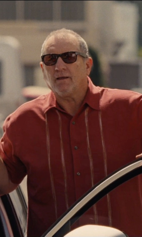 Ed O'Neill with Ray-Ban Large Square Frame Acetate Sunglasses in Entourage