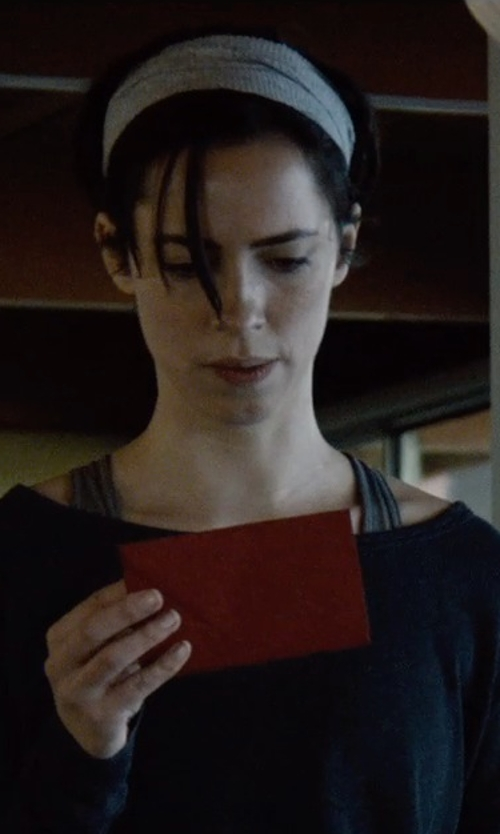 Rebecca Hall with Tasha Solid Head Wrap in The Gift