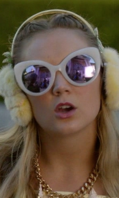 Billie Lourd with Quay Australia Screaming Sunglasses in Scream Queens