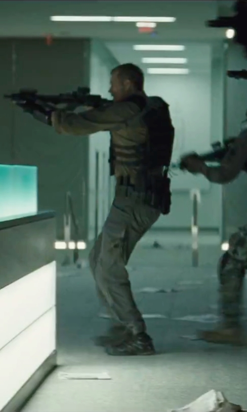 Joel Kinnaman with Reebok Rapid Response Combat Boots in Suicide Squad