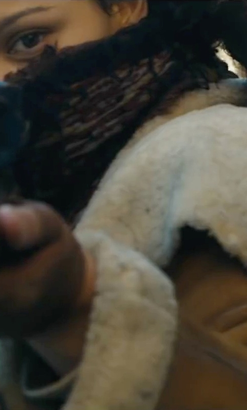 Unknown Actor with Aqua Animal Print Scarf in Maze Runner: The Scorch Trials