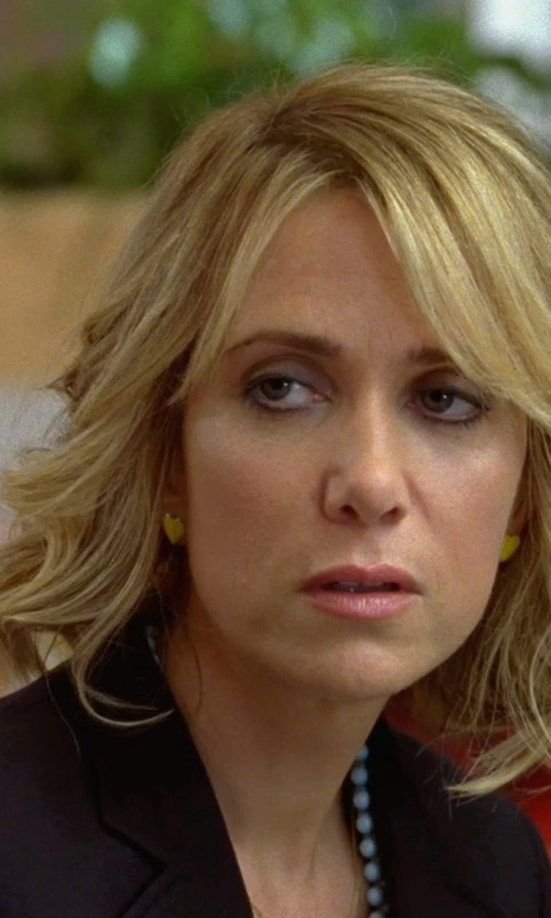 Kristen Wiig with Everlasting Gold Heart Stud Earrings in Bridesmaids