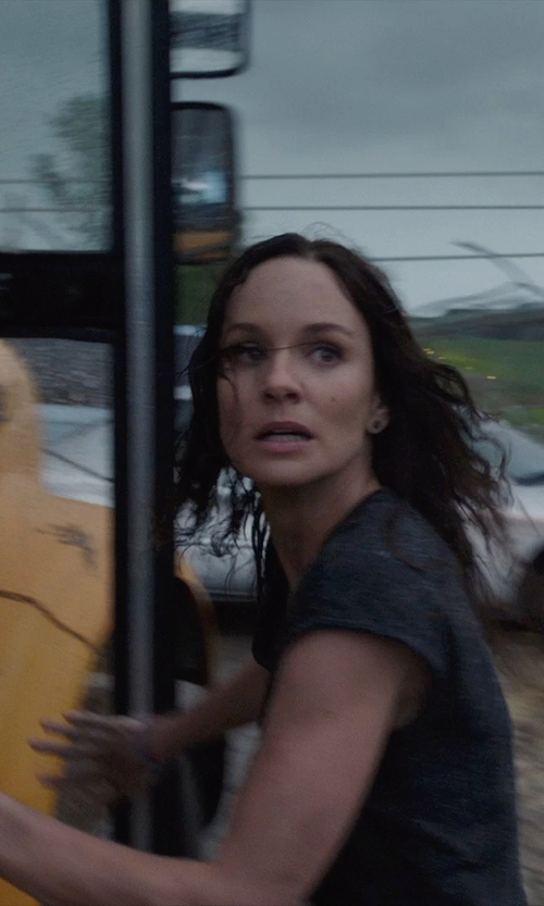 Sarah Wayne Callies with T by Alexander Wang 'Muscle' T-shirt in Into the Storm