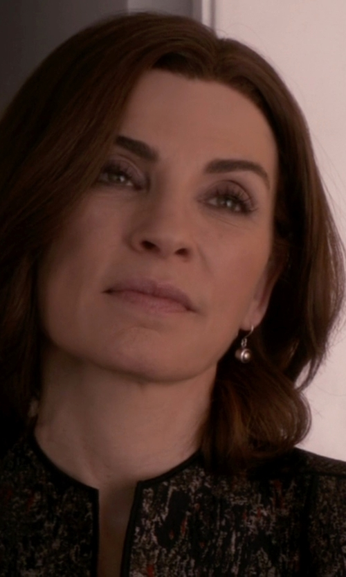 Julianna Margulies with Suzanne Kalan Round White Topaz Wire Drop Earrings in The Good Wife