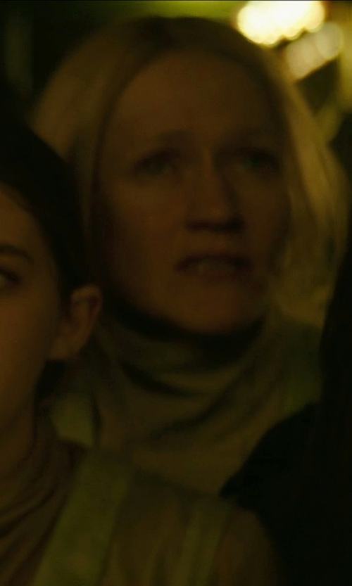 Paula Malcomson with Vanilla Women's Turtleneck T-Shirt in The Hunger Games: Mockingjay Part 1