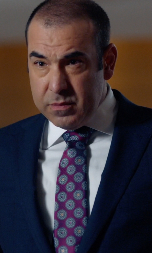 Rick Hoffman with Ike Behar Medallion Print Silk Tie in Suits