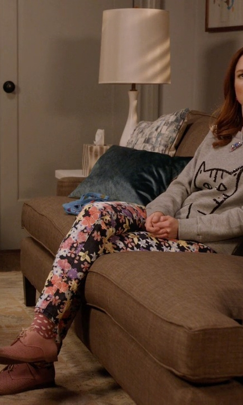 Ellie Kemper with Frye Jillian Oxford Shoes in Unbreakable Kimmy Schmidt