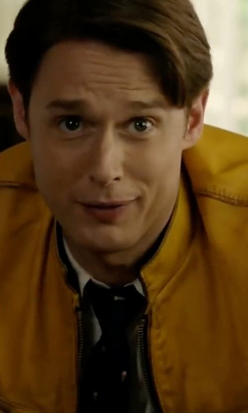 Samuel Barnett with London Fog Men's Packable Stand-Collar Jacket in Dirk Gently's Holistic Detective Agency