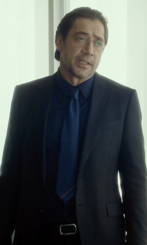 Javier Bardem with Gucci Enamel Gucci Plaque Buckle Belt in The Gunman