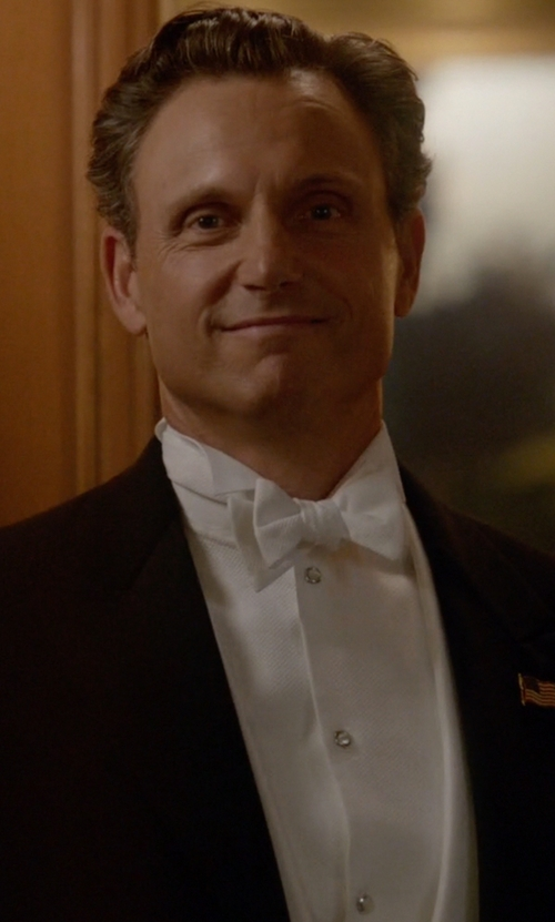 Tony Goldwyn with Boss Golden Fleece Detachable Collar French Cuff Tuxedo Shirt in Scandal