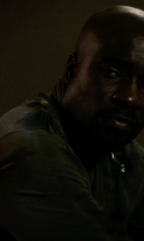Mike Colter with Rag & Bone Raglan Henley Shirt in Jessica Jones