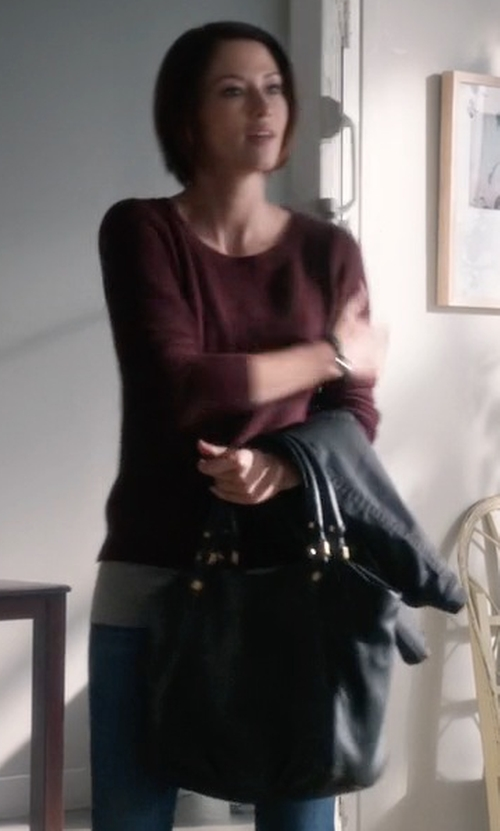 Chyler Leigh with Toss Geneva Sophia Tote Bag in Supergirl