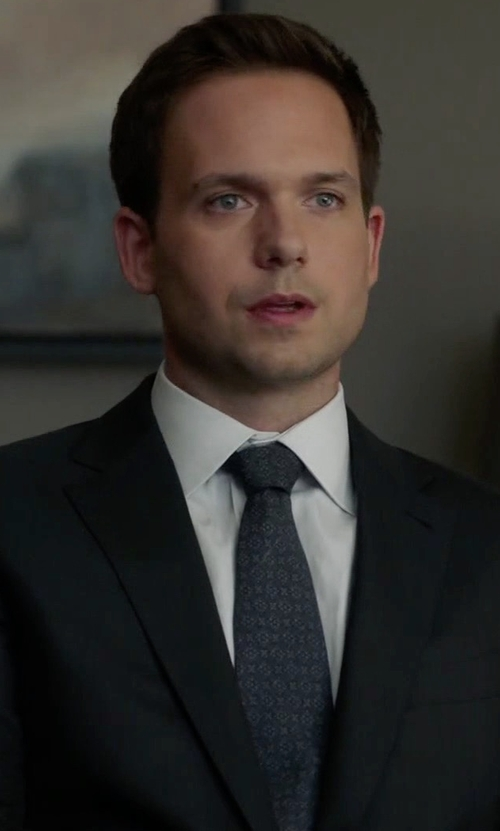 Patrick J. Adams with Brioni Foulard Woven Silk Tie in Suits