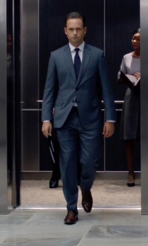 Patrick J. Adams with Salvatore Ferragamo 'Manolo' Derby Shoes in Suits
