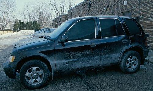 Kristin Davis with Kia Sportage Crossover Vehicle in Couple's Retreat
