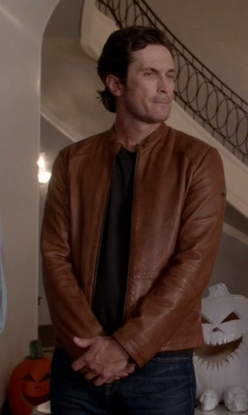 Oliver Hudson with Boss Orange 'Jips' Leather Jacket in Scream Queens