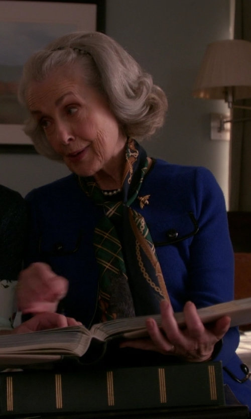 Mary Beth Peil with Old Navy Brushed Flannel Scarf in The Good Wife