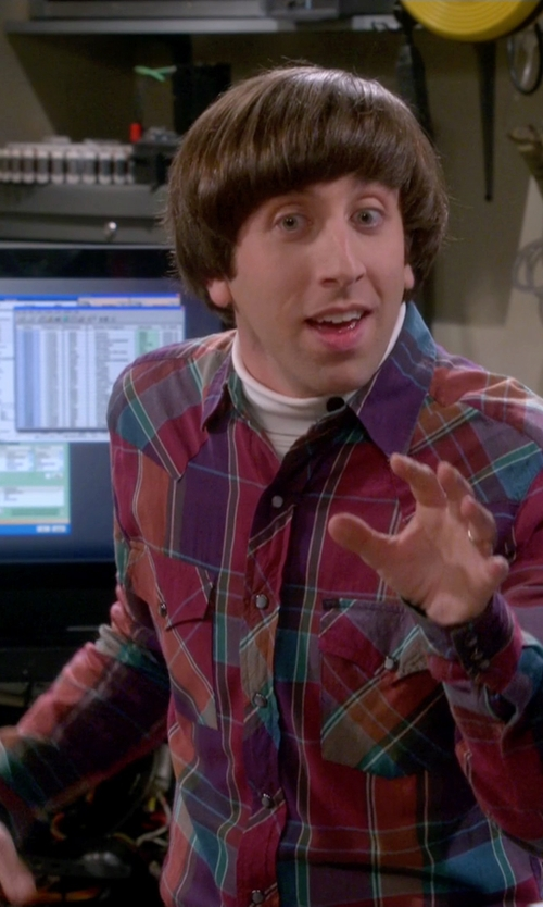 Simon Helberg with Mountain Hardwear Flannel Long Sleeve Shirt in The Big Bang Theory