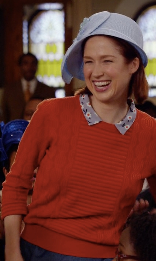 Ellie Kemper with Vince Ribbed Raglan Cashmere Sweater in Unbreakable Kimmy Schmidt