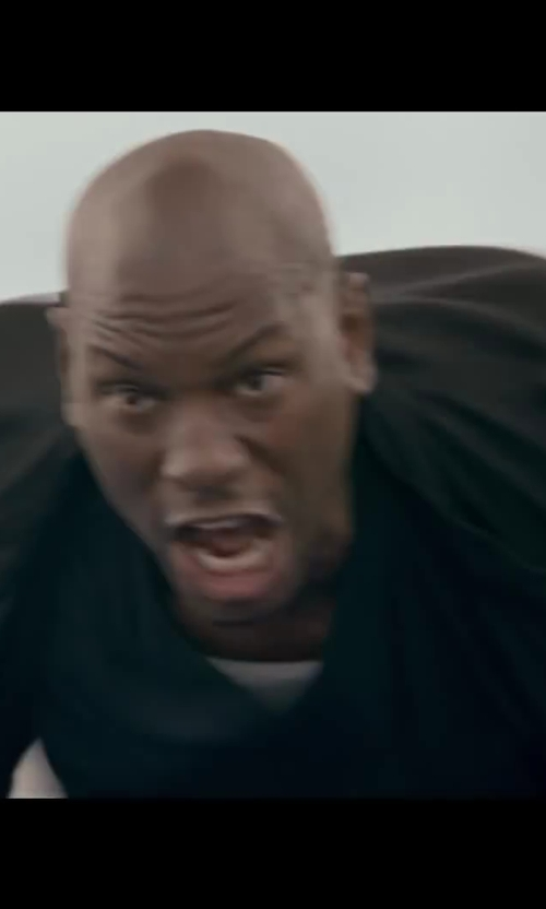 Tyrese Gibson with Jil Sander Basic V-neck T-shirt in Fast & Furious 6
