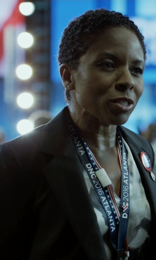 LisaGay Hamilton with Theory Gabe N Single Button Wool Blazer in House of Cards