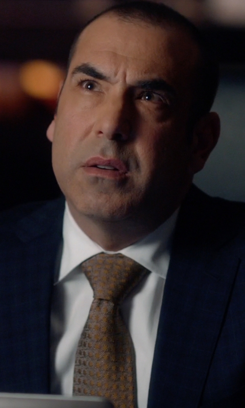 Rick Hoffman with BOSS Medallion Silk Tie in Suits