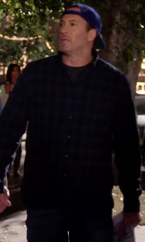 Scott Patterson with Zanerobe Flannel Seven Foot Shirt in Gilmore Girls: A Year in the Life