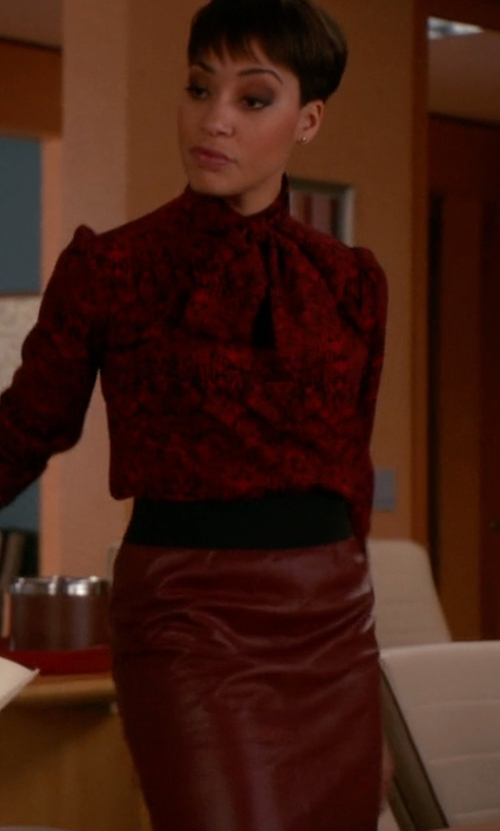 Cush Jumbo with Vince Lamb Leather Pencil Skirt in The Good Wife
