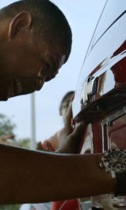 Omar Benson Miller with TW Steel Grandeur Diver Watch in Ballers