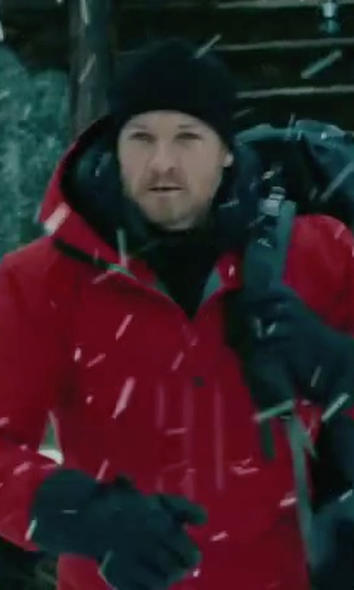 Jeremy Renner with Arc'teryx Alpha SV Jacket in The Bourne Legacy