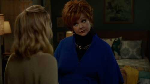 Melissa McCarthy with Echo Pointelle Knit Cape in The Boss