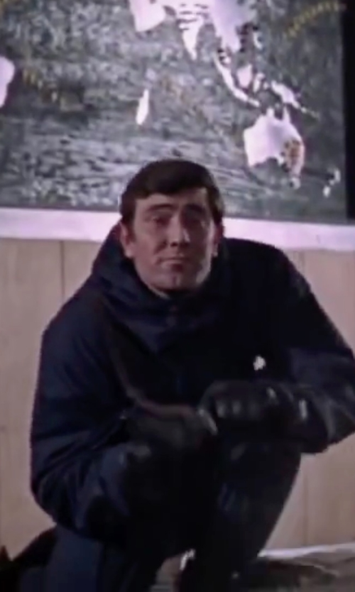 George Lazenby with Isotoner Signature Ultradry Waterproof Ski Glove in On Her Majesty's Secret Service