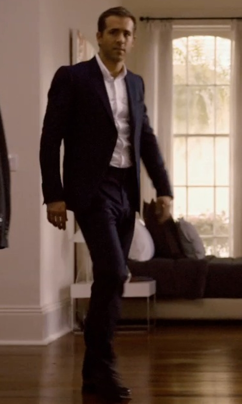 Ryan Reynolds with Santoni 'Stafford' Cap Toe Oxford Shoes in Self/Less