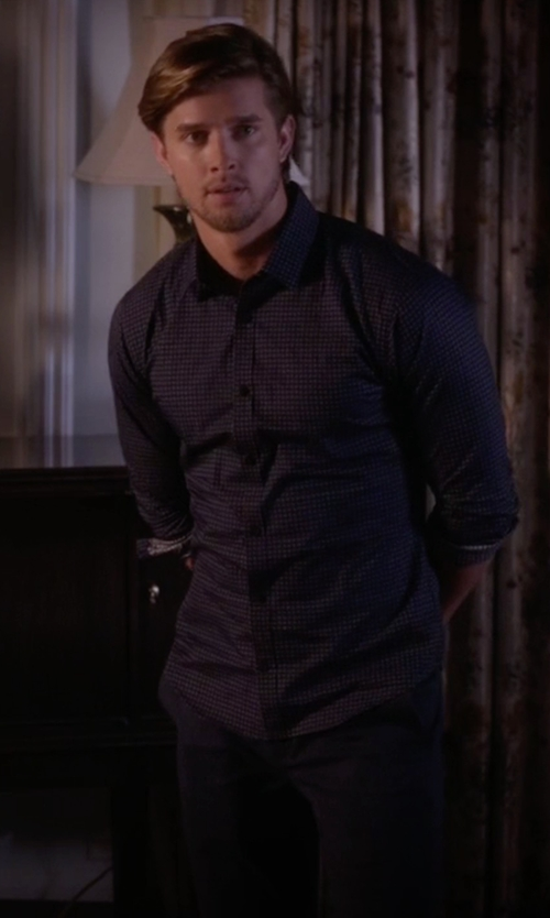 Drew Van Acker with Mavi Jeans Slim Leg Chino Pants in Pretty Little Liars