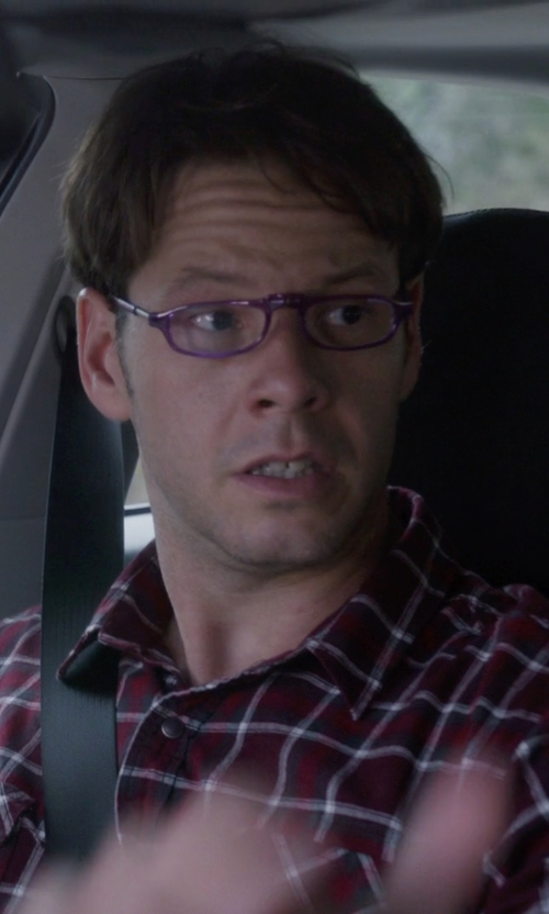 Mark Duplass with Clic Magnetic Euro Reading Glasses in The Mindy Project