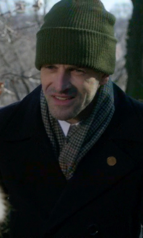 Jonny Lee Miller with Volcom Full Stone Beanie Hat in Elementary