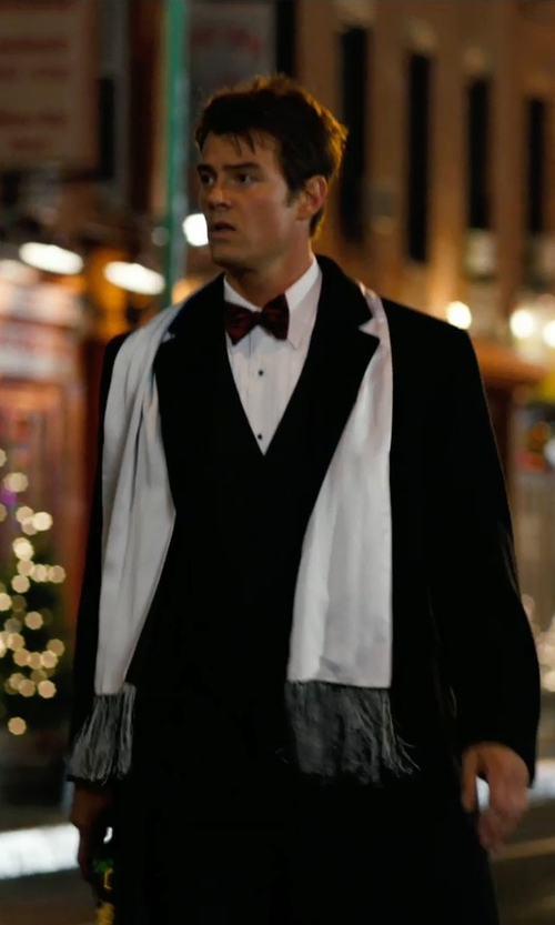 Josh Duhamel with David Donahue Regular Fit Tuxedo Shirt in New Year's Eve