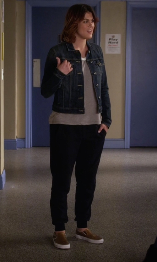 Lindsey Shaw with Vans 'Classic' Slip-On Sneakers in Pretty Little Liars