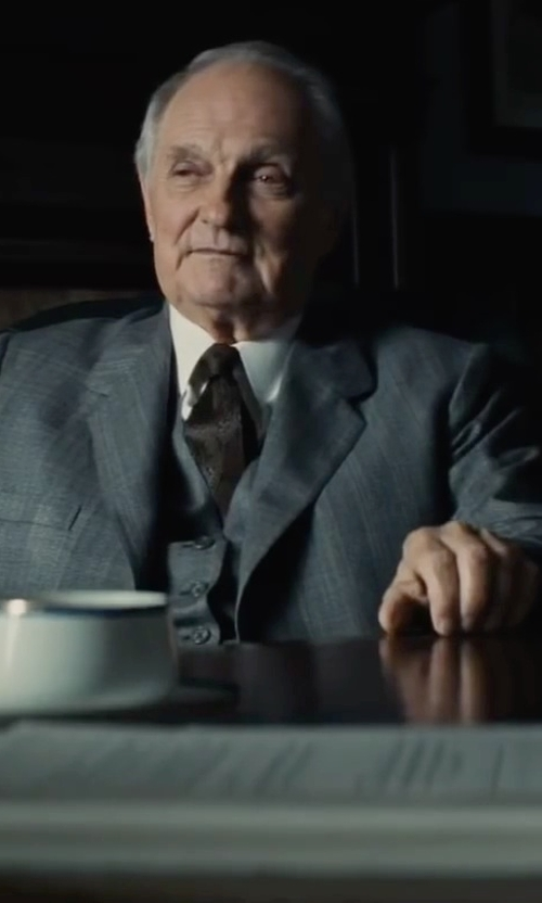 Alan Alda with Isaac Mizrahi Slim-Fit Twill Solid Dress Shirt in Bridge of Spies