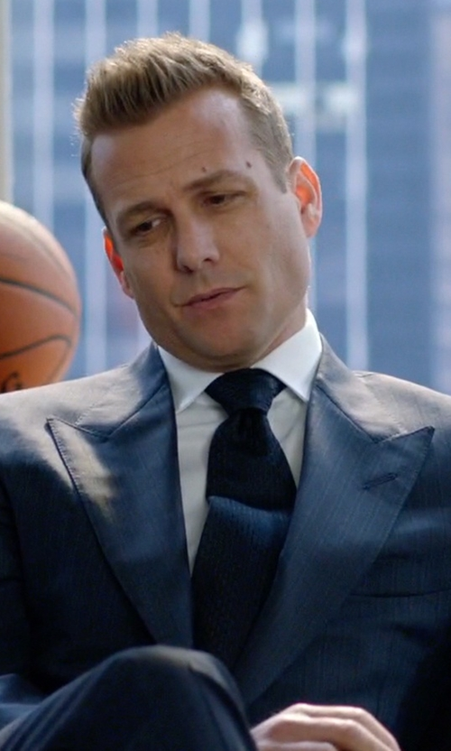 Gabriel Macht with Brunello Cucinelli Solid Knit Tie in Suits