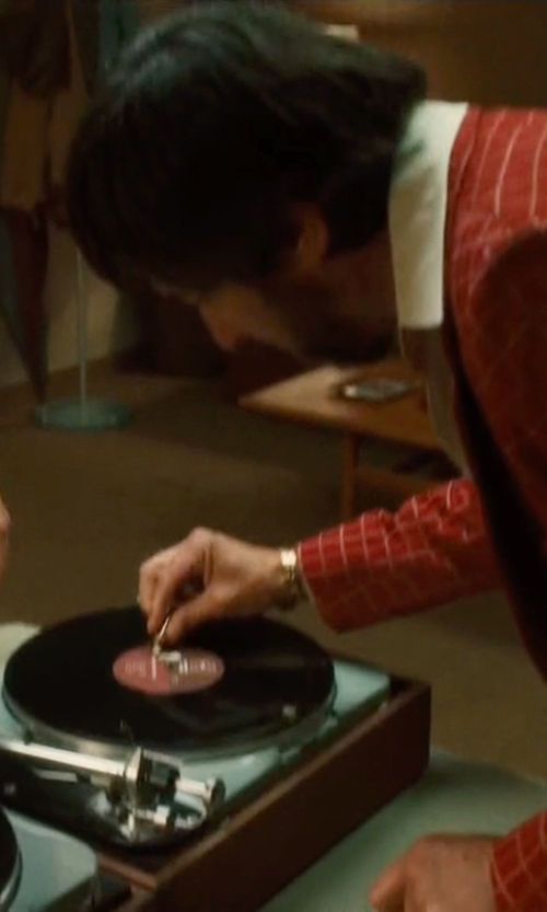 Ray Romano with Pyle Retro Vintage Classic Style Vinyl Player in Vinyl