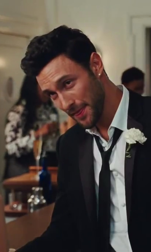 Noah Mills with Thug Fashion Collection Micro Pave Square Earrings in Sex and the City 2