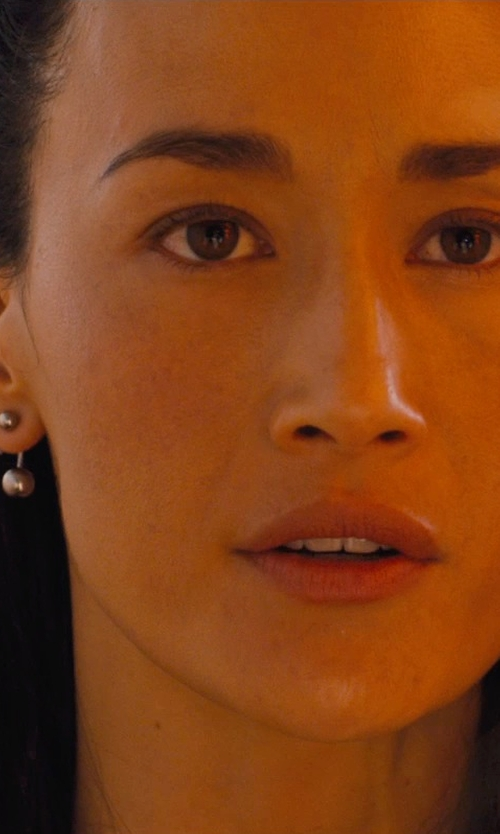 Maggie Q with FreshTrends Solid 14K White Gold SPIKE Curved / Bent Barbell - Spikes in Divergent
