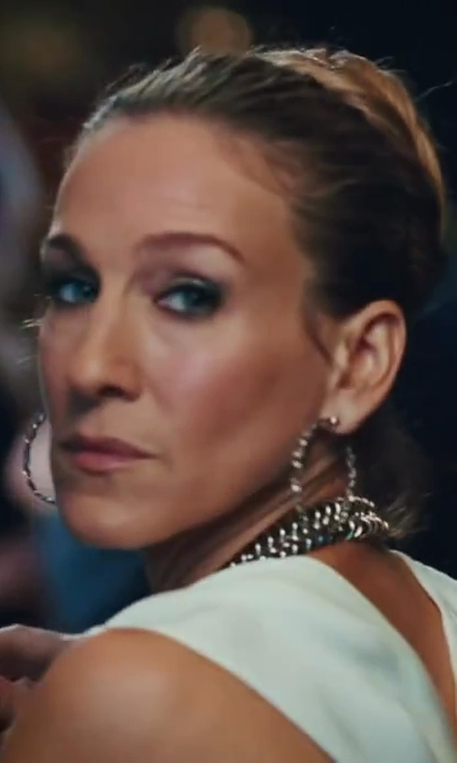 Sarah Jessica Parker with Kimberly McDonald Pathway Hoop Earrings in Sex and the City 2
