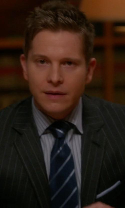 Matt Czuchry with Burberry London Diagonal Stripe Silk Earl Tie in The Good Wife