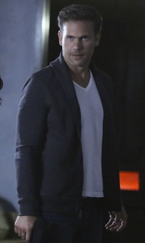 Matthew Davis with Perry Ellis Button-Front Cardigan in The Vampire Diaries