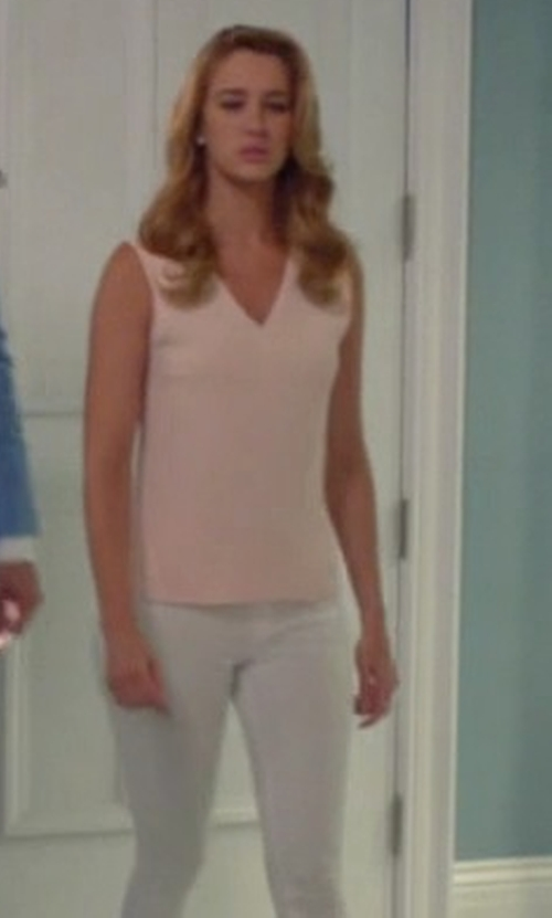 Yael Grobglas with Lafayette 148 New York  Nora Sleeveless Pleated Matte-Silk Blouse in Jane the Virgin