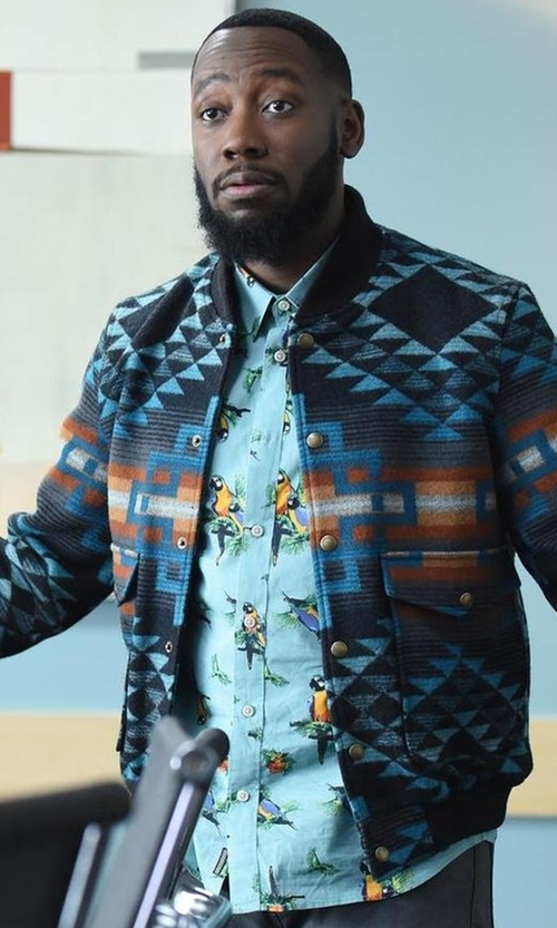 Lamorne Morris with Vans Parrots Short Sleeve Button Up Shirt in New Girl