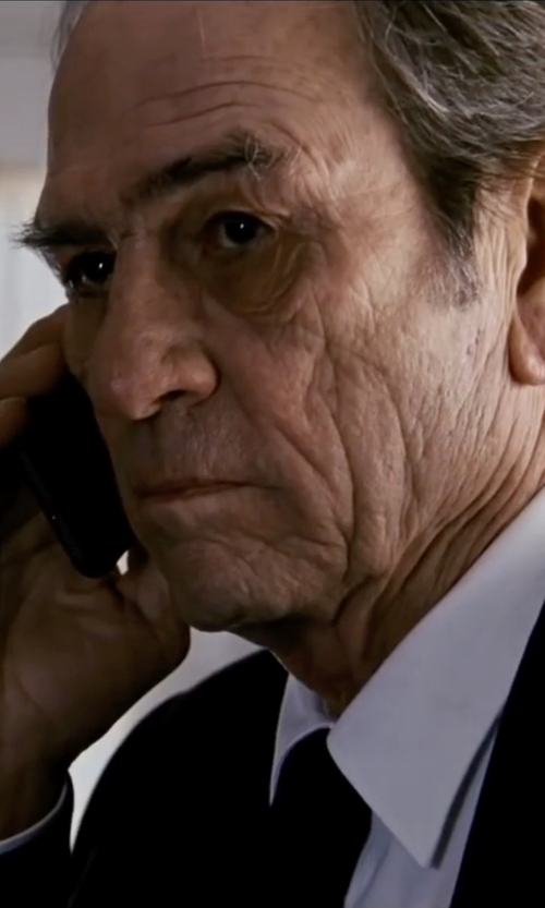 Tommy Lee Jones with Michael Kors Trim Fit Solid Wool Suit in Jason Bourne